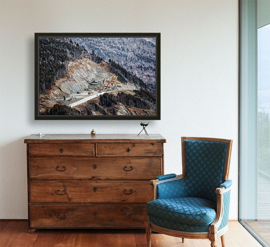 Mountain Moving with Floating Frame