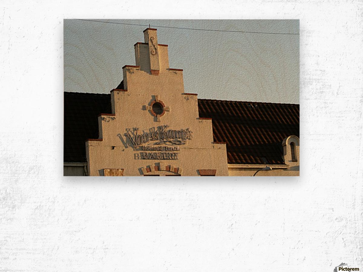 Van de Kamp's Building Wood print