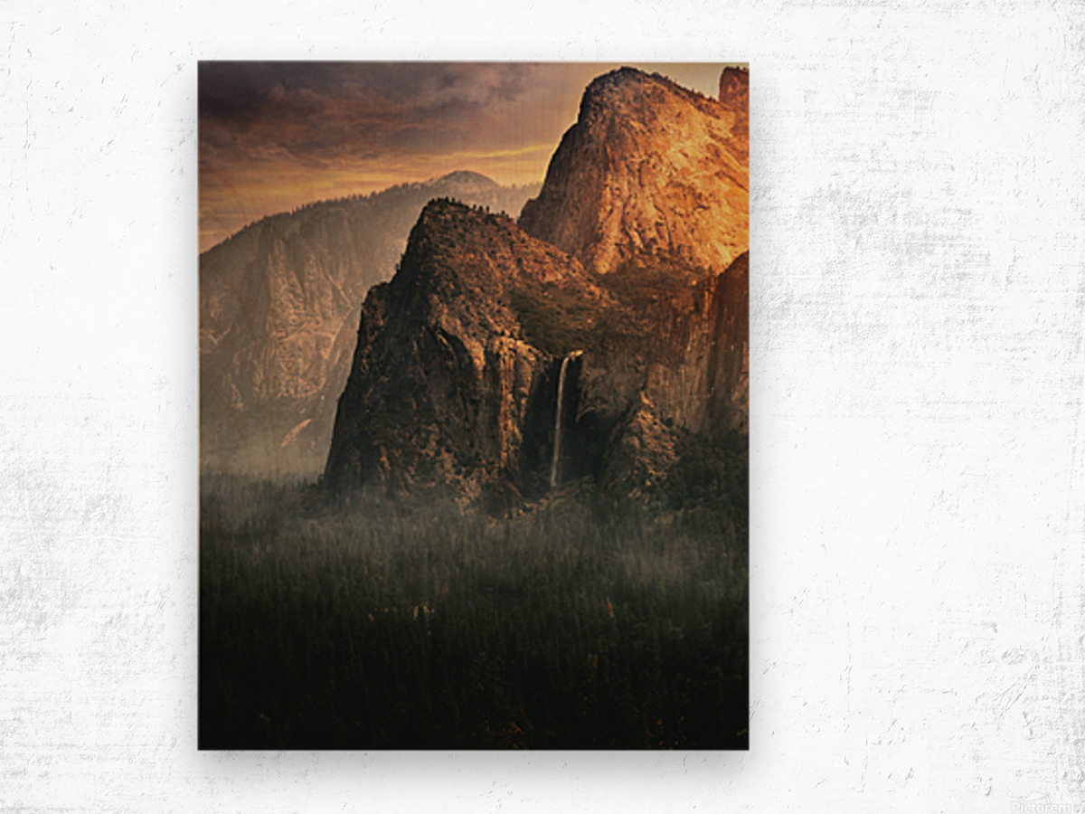 Bridalveil fall, Yosemite Wood print