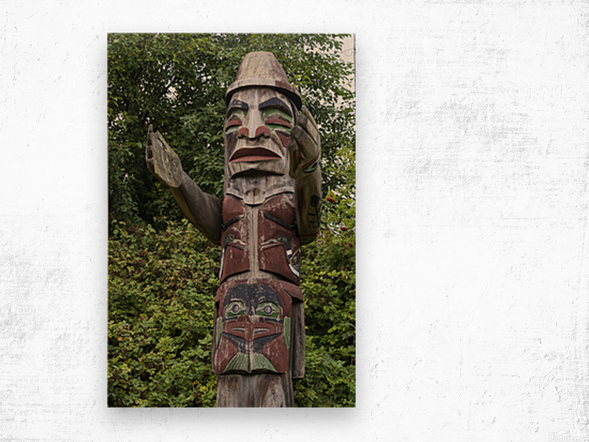 Totem pole of Granville Island 2 Wood print