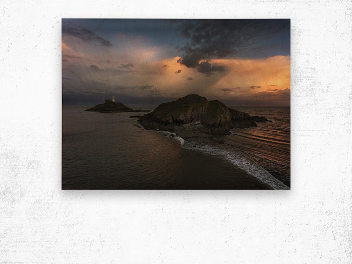 Dusk at Mumbles lighthouse Wood print