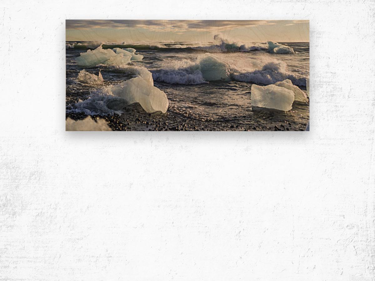 Ice bergs on Jokulsarlon beach Iceland Wood print
