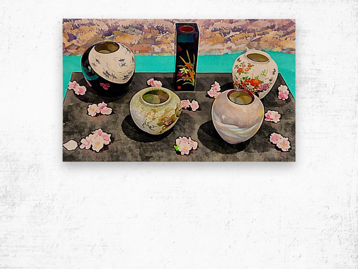 Japanese Vase Display Wood print