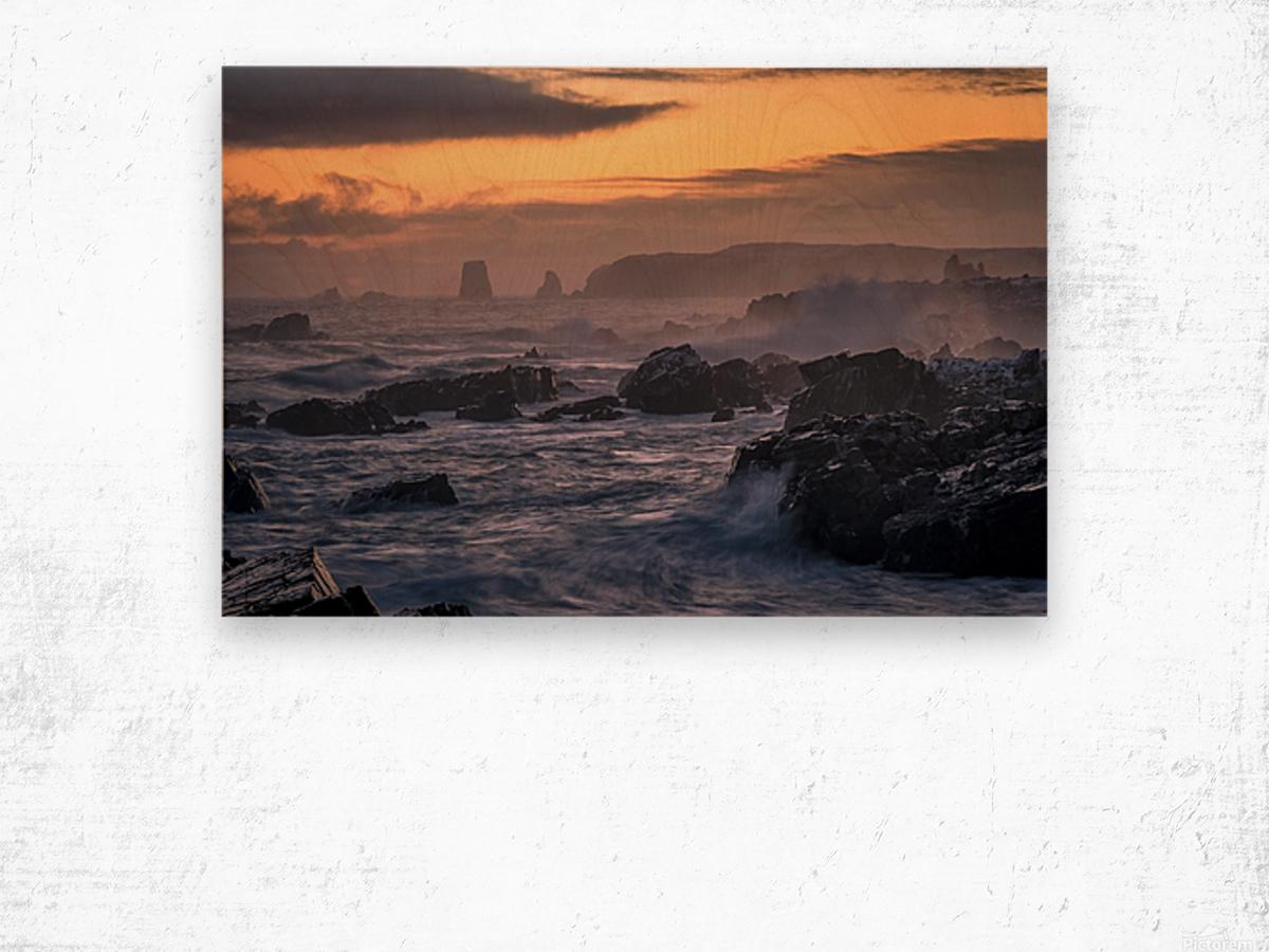 Unforgiving Seas Wood print