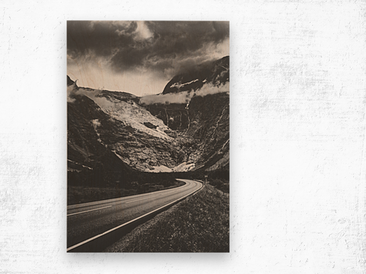 Into the wall of ice Wood print