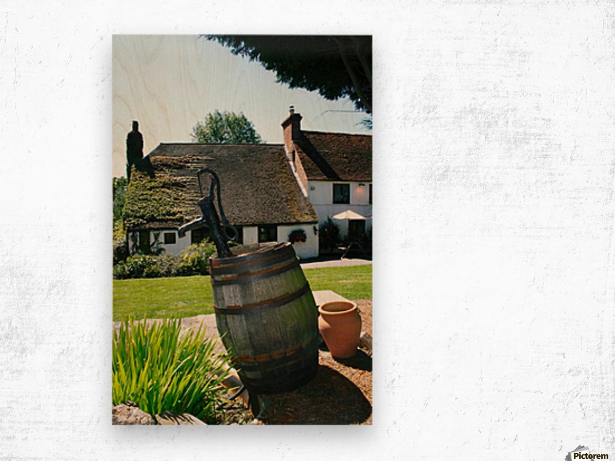 English countryside pub Wood print