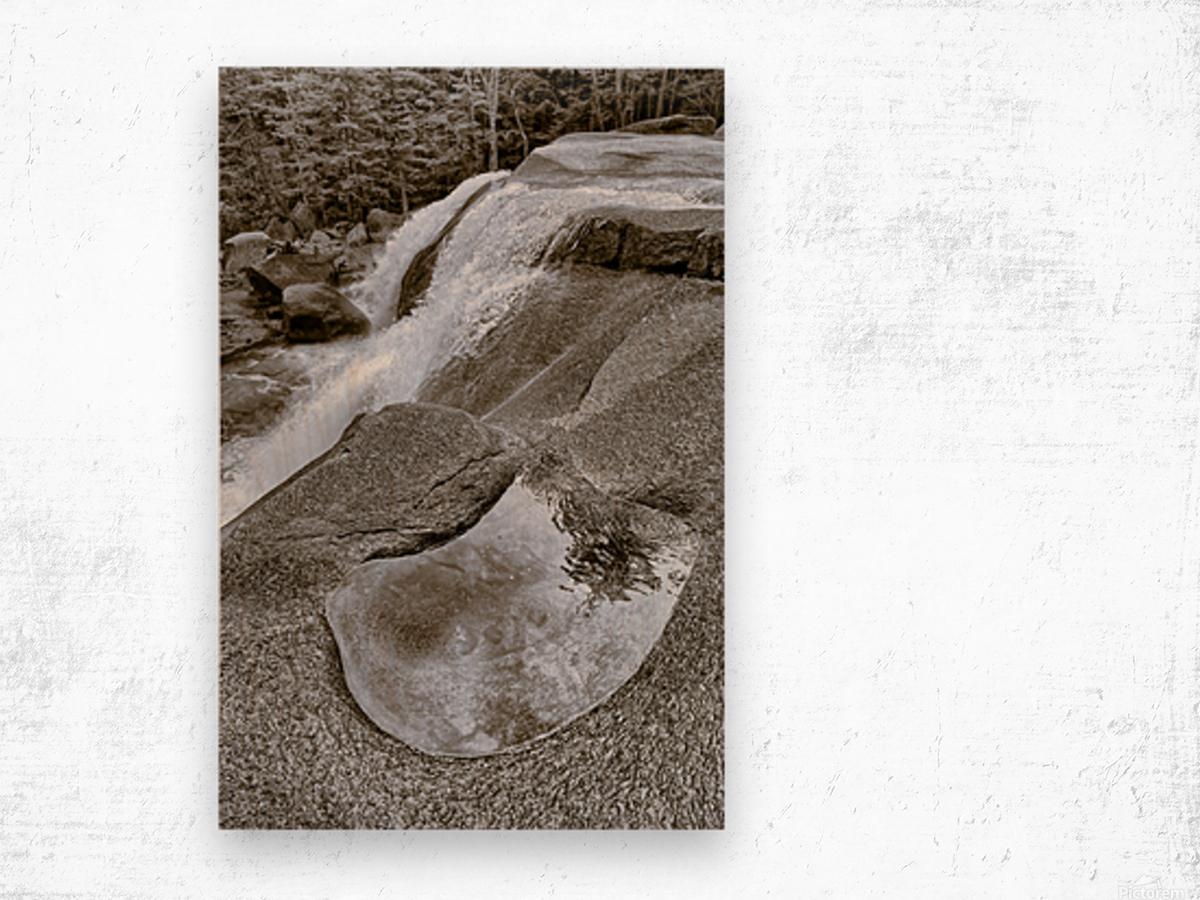 Waterfall ap 2212 B&W Wood print