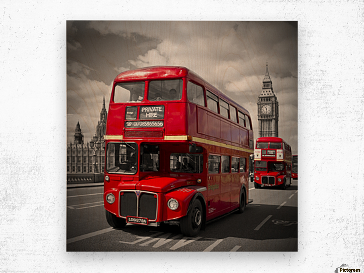 LONDON Red Buses on Westminster Bridge Wood print