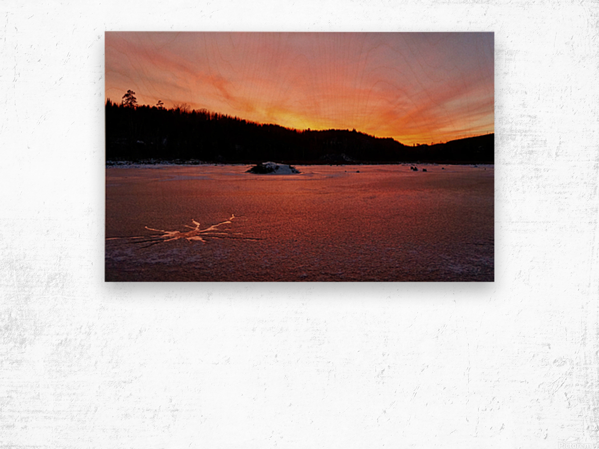 Scenic Fiery North Shore Sunset Wood print