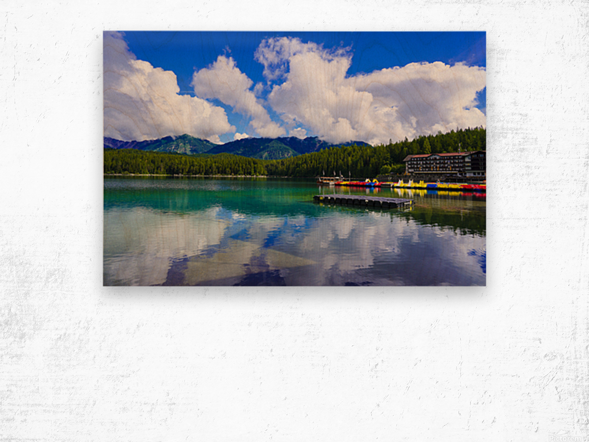 Brilliant Blue Skies over Lake Eibsee with Friederalm and Enningalm of the southern Ammergauer Alps in the Background Wood print