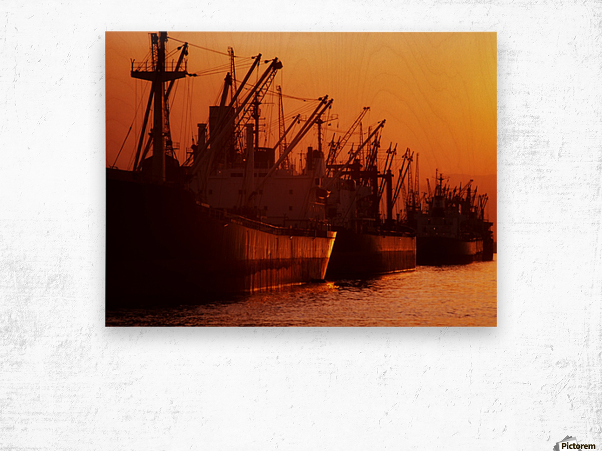 Shipping Freighters At Sunset Wood print
