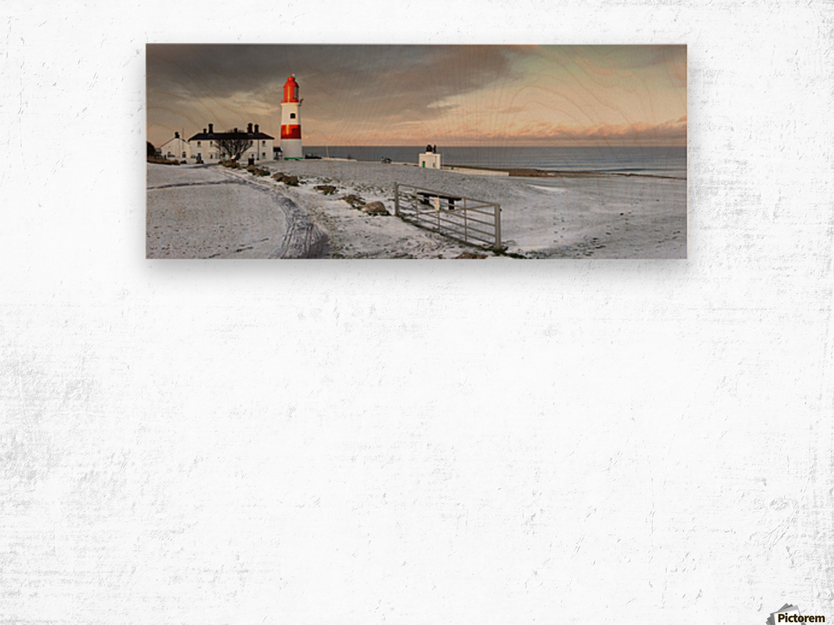 South Shields, Tyne And Wear, England; A Lighthouse And House Along The Coast Wood print