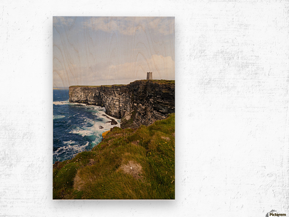 Marwick Head RSPB Nature Reserve, Kitcheners Monument; Orkney, Scotland Wood print