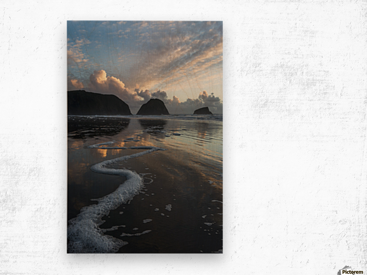 Dusk approaches on Crescent Beach; Cannon Beach, Oregon, United States of America Wood print