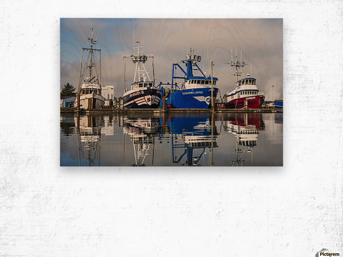 Fishing boats moored at the dock; Warrenton, Oregon, United States of America Wood print